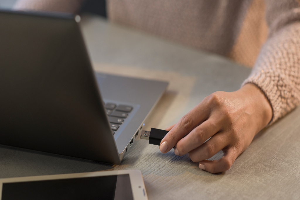 How to Protect and Store USB Flash Drives and Ensure They Last | TeraDrive